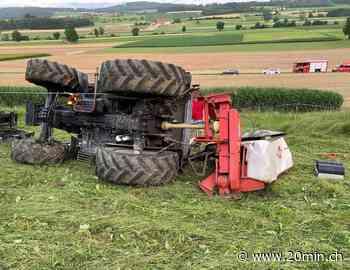 Weingarten-Kalthäusern TG - Traktor kippt – Lenker (47) schwer verletzt eingequetscht - 20 Minuten