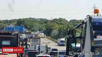 M4: Lanes on motorway at Cardiff shut following lorry crash