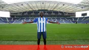 Oficial: Silvestre Varela é reforço da equipa B do FC Porto - Record