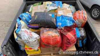 Winnipeg dog rescue sending supplies to evacuated Manitoba communities to feed animals left behind - CTV News Winnipeg