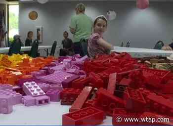 Kids create lego animals, encouraged to read at Vienna Public Library - WTAP-TV