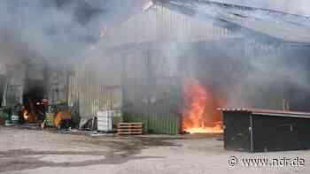 Scheunenbrand sorgte für Großeinsatz der Feuerwehr - NDR.de