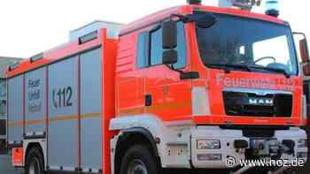 Feuerwehr löscht Müllpresse vor Lebensmittelmarkt in Meppen - NOZ