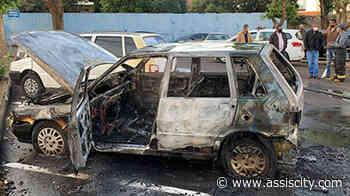 Carro da Prefeitura de Assis pega fogo no pátio do Paço Municipal - Assiscity