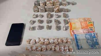 Duas pessoas são presas durante disk entrega de drogas em Assis - Assiscity