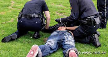 Sindelfingen: Verletzter Betrunkener geht auf Polizisten los - Sindelfinger Zeitung / Böblinger Zeitung