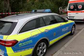 Weissach im Tal-Aichholzhof: Auto kommt von Straße ab - Blaulicht - Zeitungsverlag Waiblingen