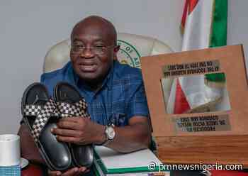 Ikpeazu displays his made in Aba sandals (PHOTOS) - P.M. News