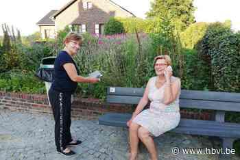 Bankjes in Riemst vertellen verhalen - Het Belang van Limburg