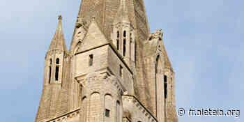 Cathédrale insolite : la petite maison perchée de la tour nord de Bayeux - Aleteia
