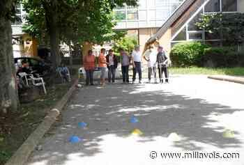Millau. Les résidents des EHPAD s'initient à la boule lyonnaise - Millavois.com