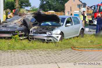 Zwaar ongeval in Oudsbergen: Weg naar Opglabbeek deels afgesloten, personen bevrijd uit wagens