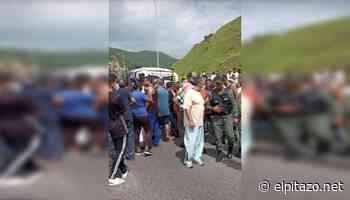 Conductores trancan la Petare-Guarenas en El Cercado por falta de gasolina - El Pitazo
