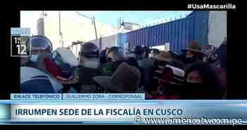 Cusco: Ciudadanos irrumpieron en la sede de la Fiscalía para protestar contra feminicidio - América Televisión