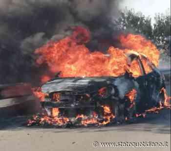 San Giovanni Rotondo, auto in fiamme alle porte della città - StatoQuotidiano.it