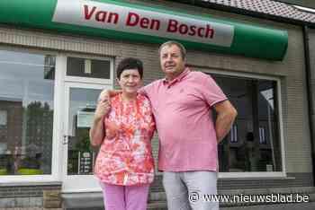 """Garage Van den Bosch uit Bevel stopt na 46 jaar: """"Zelfs op reis verkochten we auto's"""""""