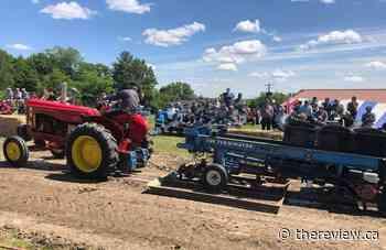 Antique tractor pull in Ste-Anne-de-Prescott on Saturday - The Review Newspaper