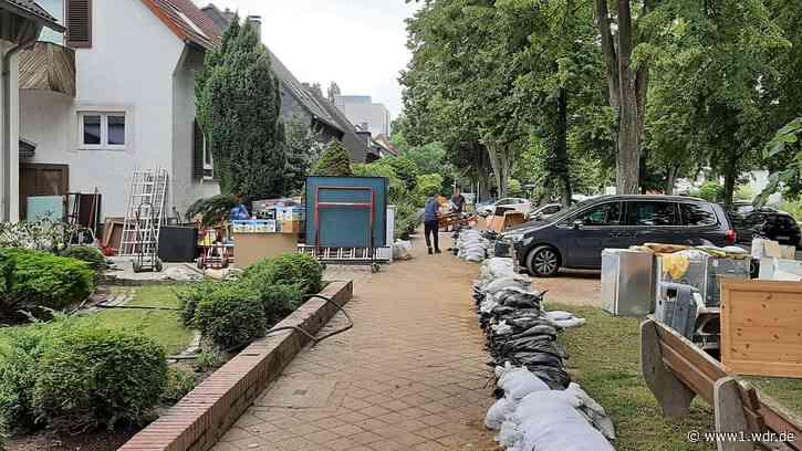 """Unwetter-Schäden in Erkrath: """"Wir sind mittendrin in den Aufräumarbeiten"""" - WDR Nachrichten"""