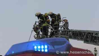 +++ Haus nach Hüttenbrand in Flammen +++ Frau in Bad Arolsen getötet +++ Eintracht droht FIFA-Ärger +++ | hessenschau.de | Hessen am Morgen - hessenschau.de