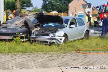 Twee gewonden (21 en 53) na zwaar ongeval in Oudsbergen