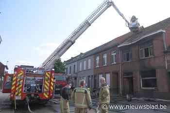 Arbeider raakt gewond bij uitslaande woningbrand