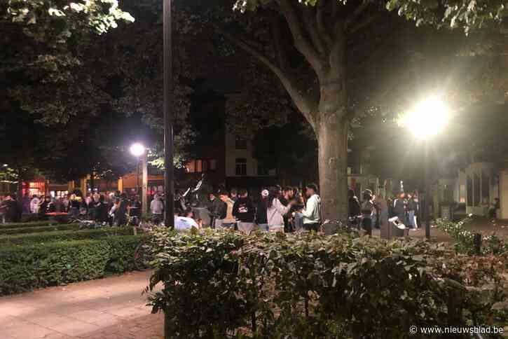 """Reacties op overlast Mechelseplein: """"Jongeren moeten toch ergens naartoe?"""""""