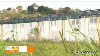 Obra da UPA em Japeri, na Baixada Fluminense, lançada há quase dez anos nunca saiu do papel - G1