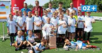 Bad Doberan: Ex-Bundesligaprofi Tretschok trainiert Fußball mit Kindern - Ostsee Zeitung