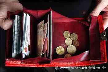 Nach Geldbörsen-Klau: Polizei fahndet mit Foto nach einer Taschendiebin - Ruhr Nachrichten