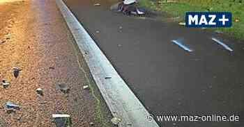 Schwerer Unfall zwischen Zeestow und Wustermark: Mann zu Fuß auf B5 unterwegs – tödlicher Zusammenstoß mit Pkw - Märkische Allgemeine Zeitung