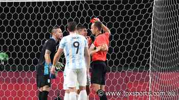 'Absolute stinker': Ref's red card howler triggers 15-year reminder of Socceroos nightmare