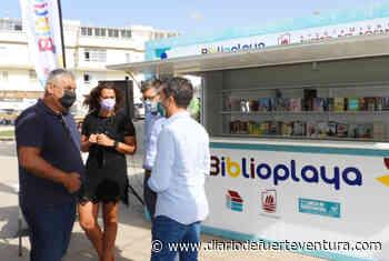 La Biblioplaya de Puerto del Rosario abre sus puertas en plena playa durante este verano - Diario de Fuerteventura