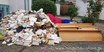 Hilfe nach Flutkatastrophe: Büchereiteam aus Alfter packt in Rheinbach mit an - Kölnische Rundschau