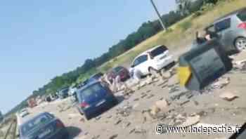 Mulhouse : un camion rempli de dosettes de café se renverse sur l'autoroute, les automobilistes se précipitent - LaDepeche.fr