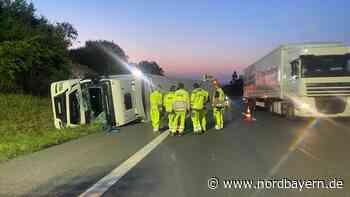 Zur Bergung eines umgestürzten Trucks waren gleich zwei Kräne nötig - Nordbayern.de