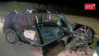 Schwerer Unfall bei Tegau: Unangeschnallt gegen einen Baum gekracht - Ostthüringer Zeitung