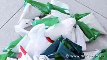 Problem with grocery bag storage trick
