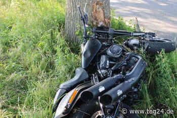 Wermelskirchen: Harley Davidson prallt gegen Baum, Fahrer lebensbedrohlich verletzt - TAG24