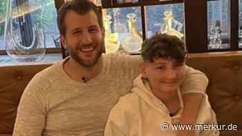 Vaterstetten (Bayern): Fußballtalent David (15) begegnet nach Leukämie seinem Stammzellenspender - Merkur Online