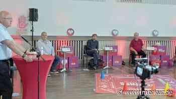 Um die Wählergunst würfeln: Fünf Bundestagskandidaten präsentieren sich in Miesbach bei DGB-Diskussion - Merkur Online