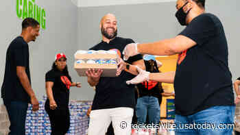 Rockets staffers, execs give back at Houston Food Bank event - Rockets Wire