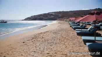 Griechenland: Urlauber brechen Reise vorzeitig ab – andere müssen am Strand schlafen - Merkur.de