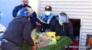 Puno: comerciantes lanzaron frutas y objetos a fiscalizadores en Juliaca - LaRepública.pe