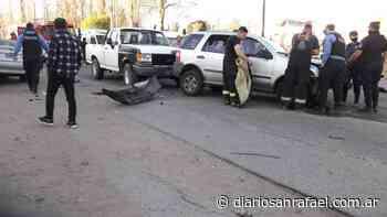 Fuerte accidente entre tres vehículos en Rincón del Atuel - Diario San Rafael