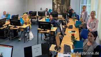 Kurs an der VHS Wardenburg: Geflüchtete lernen Computer-Grundlagen - Nordwest-Zeitung