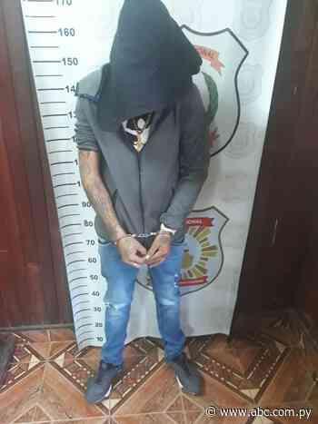 Policía detiene a dos hombres en Concepción - Nacionales - ABC Color