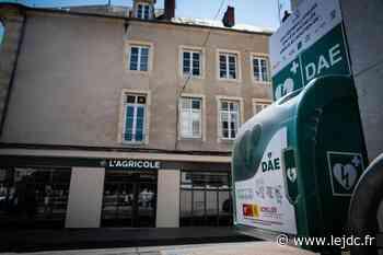 La ville de Nevers s'équipe de vingt défibrillateurs installés en extérieur dans l'espace public - Le Journal du Centre