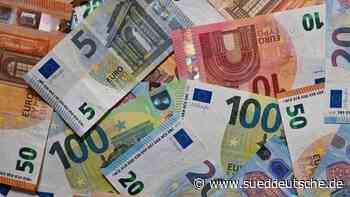 Mann reist mit mehr als 910 000 Euro Bargeld im Auto an - Süddeutsche Zeitung