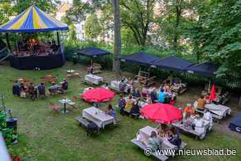 Groene oase middenin Gentse studentenbuurt: concertjes in de tuin van Bar Oscar