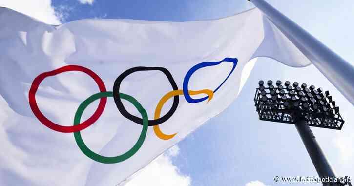 Tokyo 2021, la torcia olimpica è accesa. Iniziano i Giochi post pandemia, dall'allegria degli Azzurri alla delegazione dei Rifugiati
